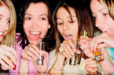 Giovani: una bevuta tira l'altra e il danno è fatto