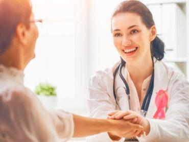 Tumore al seno: le parole che aiutano la cura