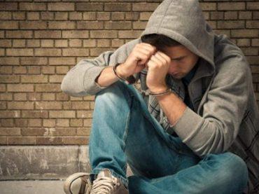 Adolescenti: terra di nessuno, tra abusi e violenze