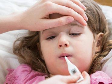 Cosa fare se l'influenza mette ko i bambini