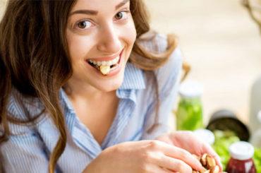 Benefica frutta secca: come portarla in cucina anche d'estate
