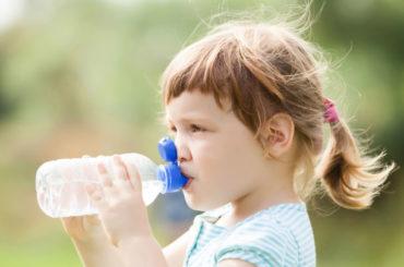 Come prevenire la disidratazione nei piccoli