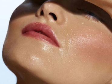 """Operazione trucco """"anticaldo"""" per il make up estivo"""