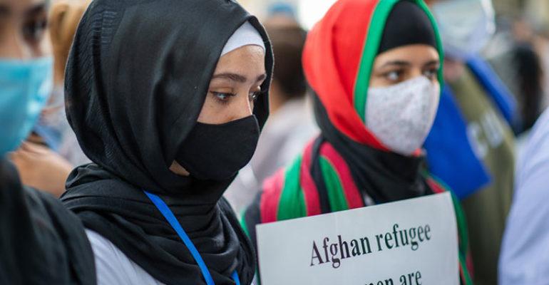 La voce delle associazioni che si adoperano per mettere in salvo le donne afghane